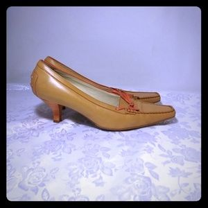 Tods $425 low heel leather pumps, size 8